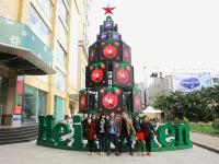 Heineken gây ấn tượng với cây thông tương tác tại Việt Nam