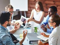 Kỹ năng quản trị trong bối cảnh đa văn hóa