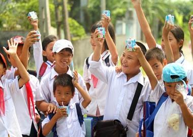Hơn 2 triệu hộp sữa sẽ đến với 1.000 thôn xã