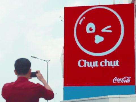 Độc đáo bảng quảng cáo chọc ghẹo người đi đường