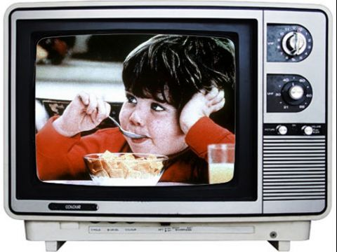 """Tại sao quảng cáo TV đỡ """"dở hơi"""" hơn quảng cáo Digital?"""