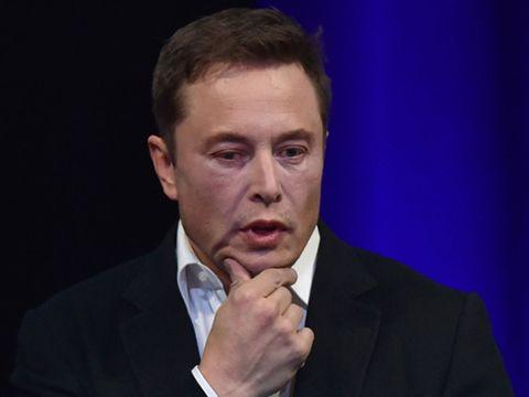 Elon Musk buộc rời ghế Chủ tịch Tesla và bị phạt 20 triệu USD