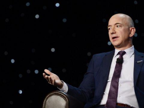 3 lời khuyên về việc lắng nghe lời phê bình của tỷ phú Jeff Bezos
