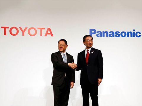 Toyota, Panasonic bắt tay làm pin xe điện