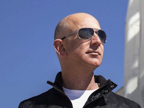 Jeff Bezos muốn đưa hàng tỷ người chiếm đóng vũ trụ