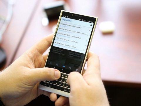 """BlackBerry """"chết"""" lần 2"""