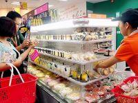 Người Việt Nam ăn gì tại khu vực ăn uống của các cửa hàng tiện lợi?