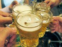 Tại sao người Việt uống bia với đá?