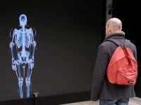 Chiến dịch quảng cáo tương tác gây sốc cho người đi bộ Canada