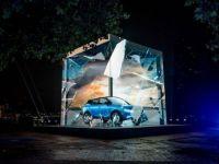 Nissan quảng cáo ô tô trên màn hình lớn 3D kết hợp âm thanh siêu thật